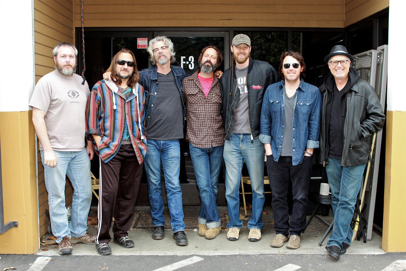 Jason Mariani, Dave Palmer, Don Heffington, Neal Casal, Dan Grimm, Jesse Siebenberg and Bob Glaub. Photo by Amanda Peacock.